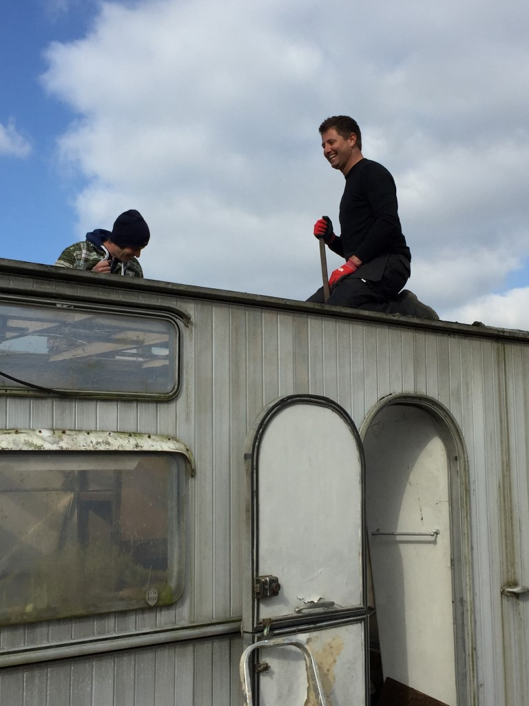 George-Clarke-helping-with-the-roof